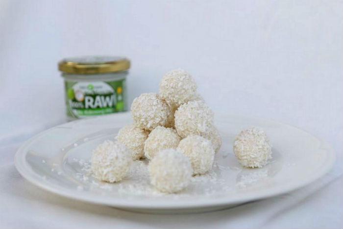 Netradiční vánoční cukroví: Raw kokosové kuličky