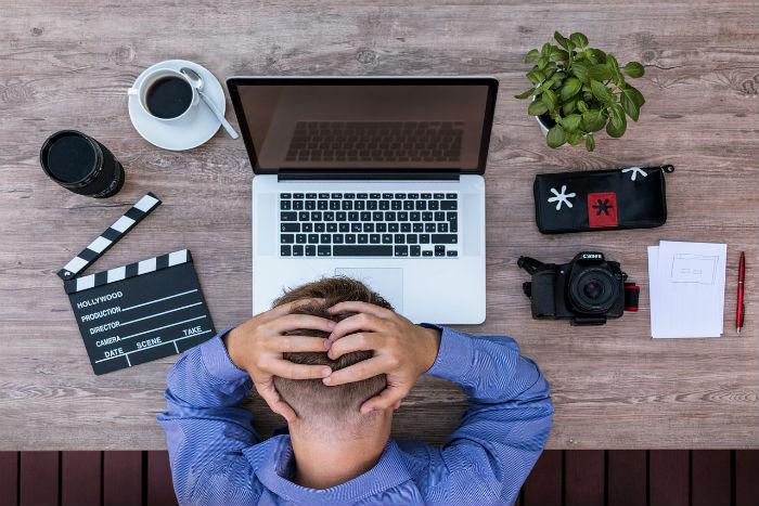 Za únavou a bolestmi hlavy může stát nedostatek železa